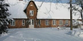 Rückseite Hof Nahnsen im Schnee