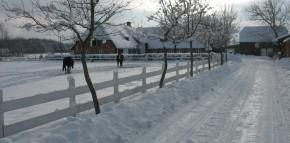 zugeschneite Auffahrt